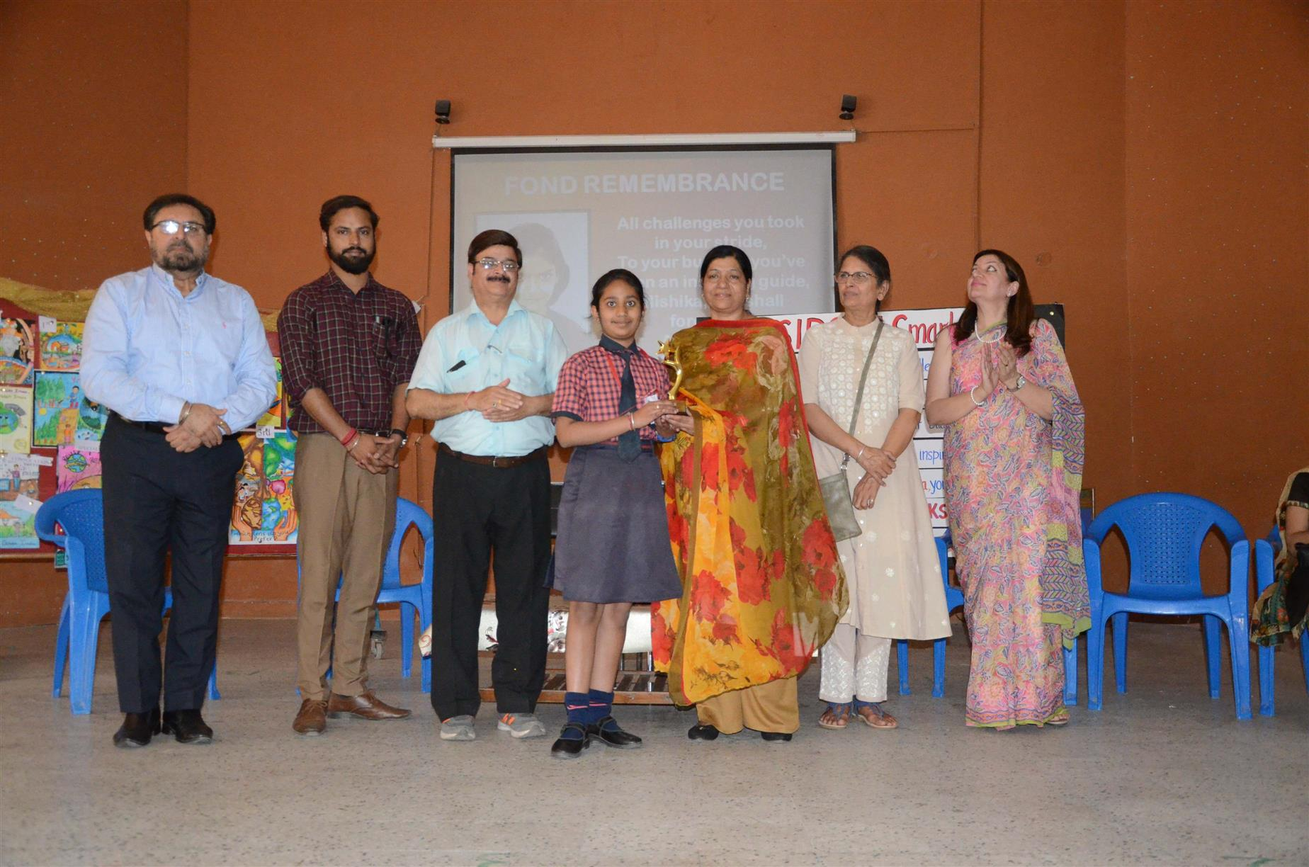 AKSIPS 41 Smart School organized   'Green Friends-Interschool On- The- Spot Poster Making Competition' on May 6, 2019 to commemorate the birthday of their Whiz kid, Miss Mishika, a brilliant student and gifted artist who passed away recently at the young age of 12. Her parents Mrs.& Mr. Ravinder Kumar sponsored this event for encouraging the young budding artists. | AKSIPS 41 Chandigarh
